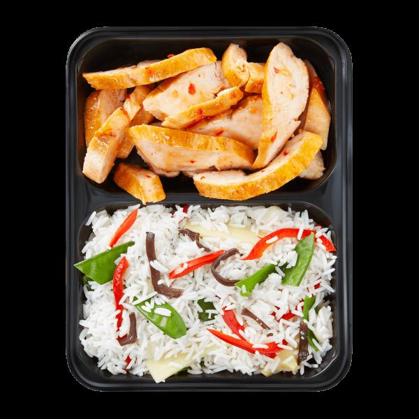 Hähnchenbrust in Chilisauce mit Jasmin-Reis und Gemüse