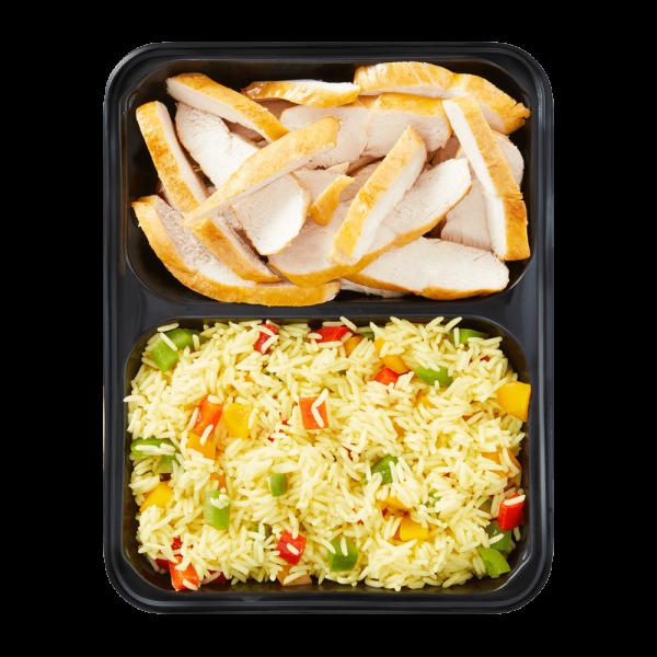 Hähnchenbrust und Langkornreis verfeinert mit Paprika und Tomaten